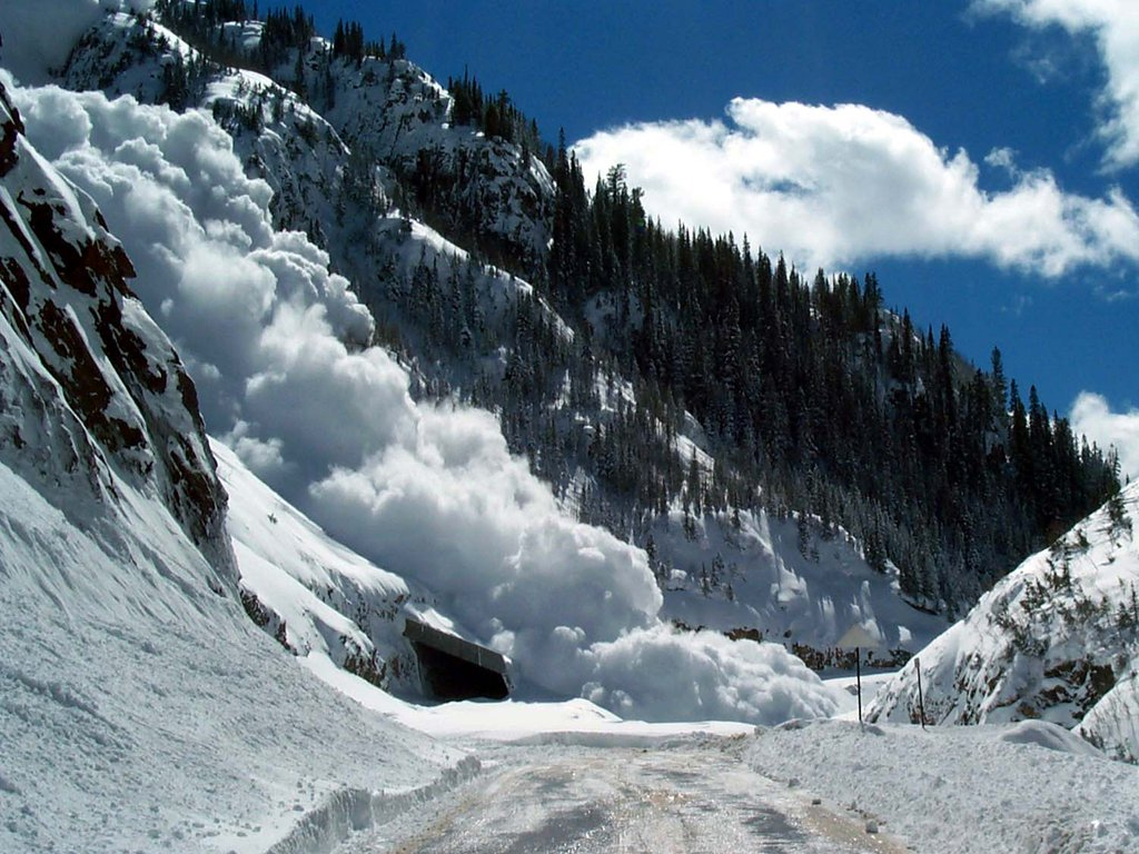 В Сочи предупреждают о лавиноопасности в горах