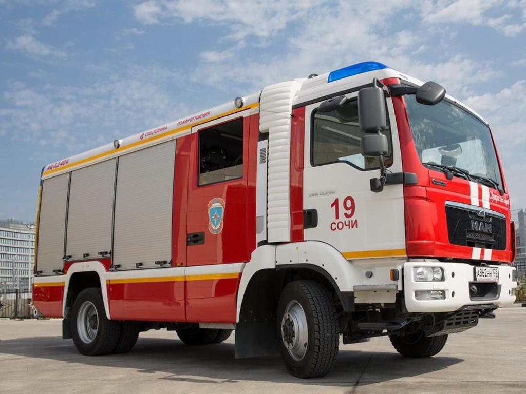 В Сочи из-за пожара эвакуировали 15 жителей пятиэтажки