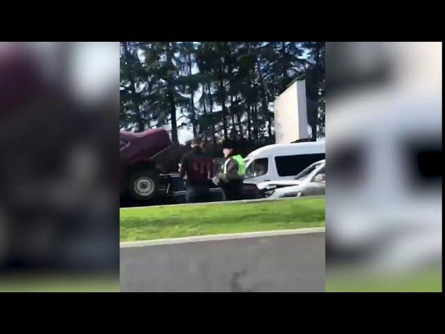 В Сочи тройное ДТП стало причиной заторов на дороге